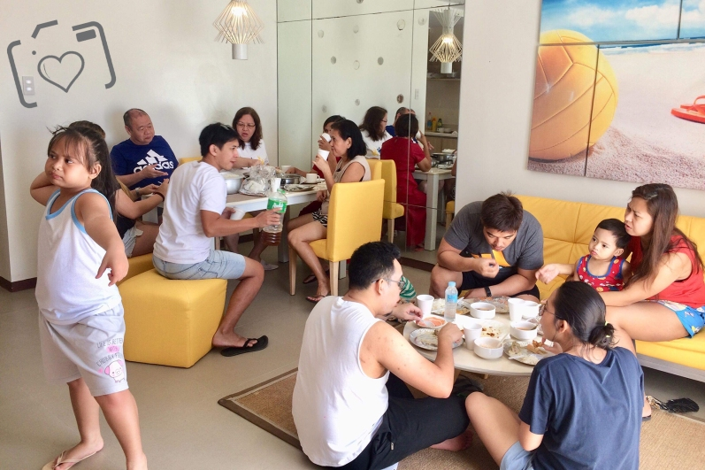 Lunch time at Tito and Tita's room